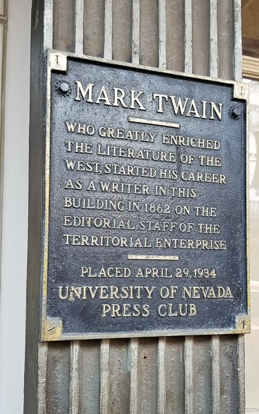 plaque at mark twain museum